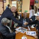 Раздадоха подаръци в Банско и Добринище по случай Международния ден на възрастните хора