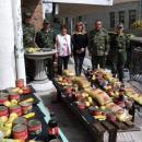 Военните дариха храни на 35 семейства, болни и самотни хора в Момчиловци